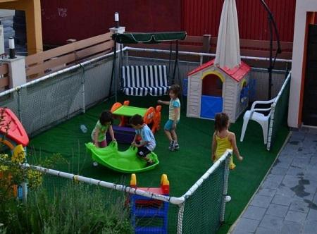 Детская площадка своими руками: фото-идеи 69