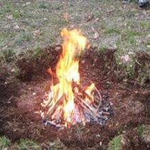 Сжигание мусора на участке в костре